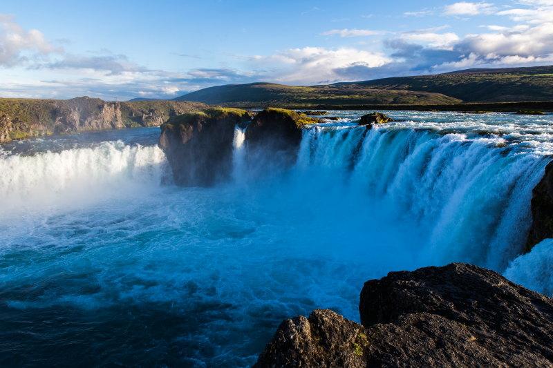 Guide Islande Lieux Incontournables DamienLB godafoss cascade