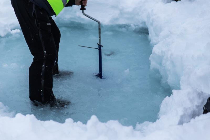 Guide Tromso DamienLB lac gelé forage pêche blanche