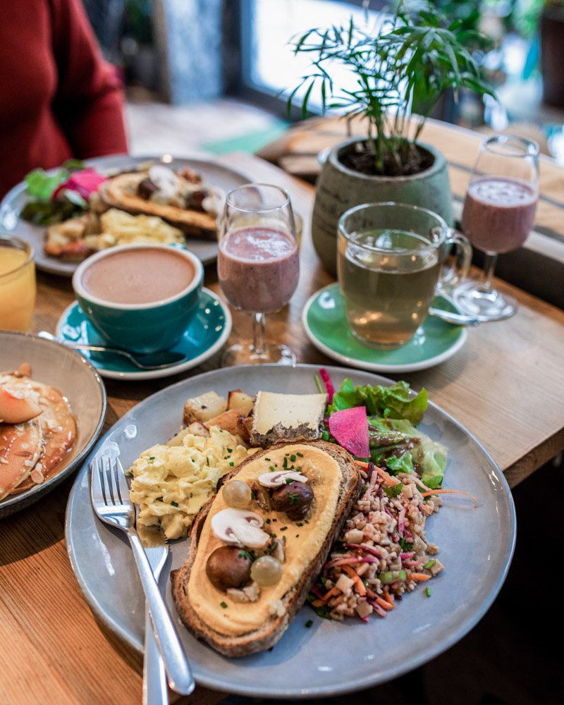 dust café brunch lovers lyon