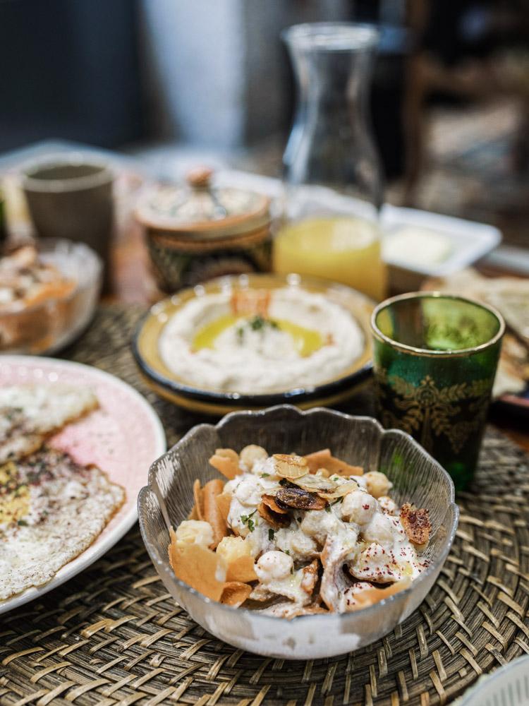 petra nomad tea brunch lovers lyon fatteh